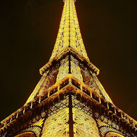 Eiffel tower by Gérard CHATENET - Buildings & Architecture Statues & Monuments