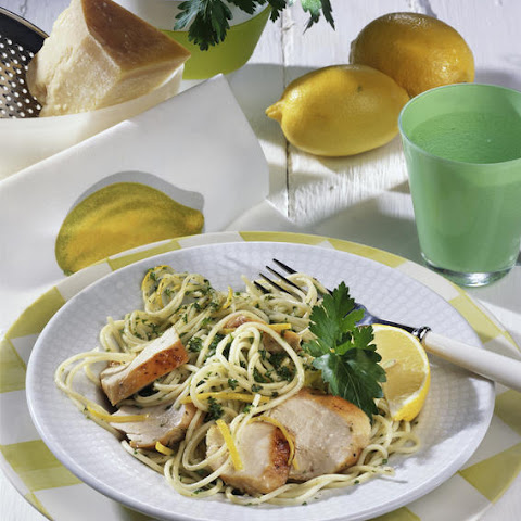 Chicken Breast with Spaghetti in Lemon Sauce