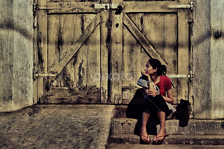 waiting..... by Arif Budi Setyawan - Novices Only Portraits & People