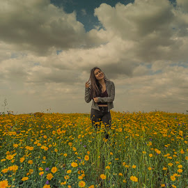 SINTRA/PORTUGAL by Gjunior Photographer - People Portraits of Women ( girl, teenager, flowers, landscape, people,  )