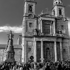 convento de San Francisco de Santiago de Compostela by Roberto Gonzalo Romero - Buildings & Architecture Places of Worship ( black and white, convento, santiago, san francisco, compostela )