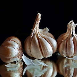Garlic trio by Pradeep Kumar - Food & Drink Fruits & Vegetables