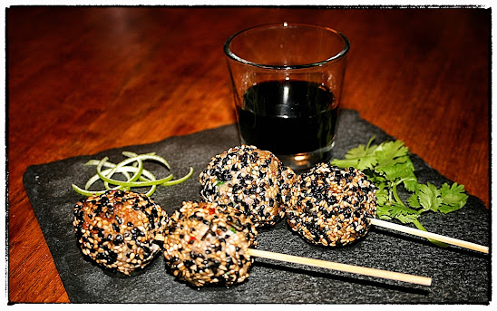 Tuna balls with ginger and sesame
