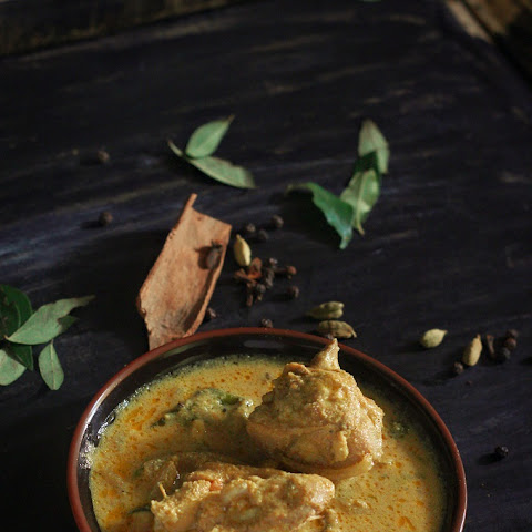 Kerala Style Chicken Curry Recipe-Kerala chicken curry with coconut