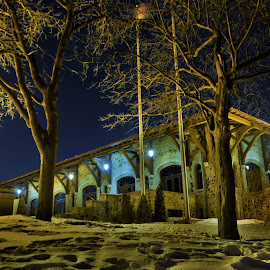 Refuge de luxe by Mario Monast - Buildings & Architecture Other Exteriors ( lights, night photography, park, night scene, nighttime, night, architecture, city park, night shot, nightscape )