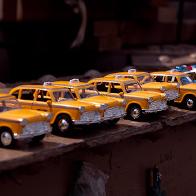 Taxi! by Marc Brian Queyquep - Artistic Objects Toys