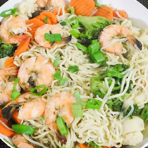 Quick and Healthy One Pot Cantonese Noodles