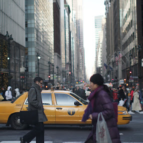 by Mckenzie Georges - City,  Street & Park  Street Scenes ( city hour, walking, life, taxi, rush hour, bussy, yellow, city )