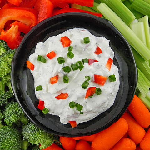 Blue Cheese Ranch Dip with Fresh Vegetables