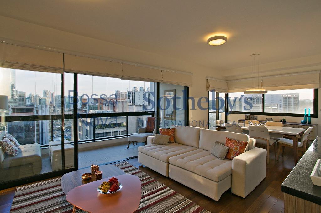 Apartamento com linda vista em excelente localização.