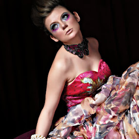 Isadora Duncan with Model from Germany by Silvano Rikiputra II - People Fashion
