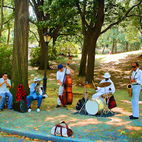Central Park Quintet by Ray Hepworth - People Musicians & Entertainers