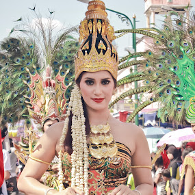 Salatiga Nation Carnival 2013 ( javanesse costume ) by Arya Dhitya - News & Events World Events ( glamour, fashion, indonesia, salatiga, costume, java, beauty )