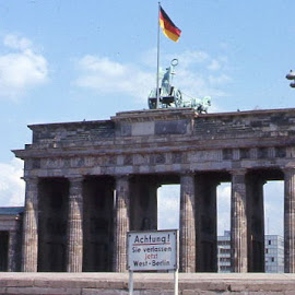 Brandenburg Gate and Berlin Wall by Barry Lehman - City,  Street & Park  Historic Districts ( 1970, europe, brandenburg gate, germany, berlin wall, berlin,  )