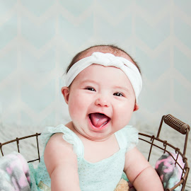 Sweet smile by Jenny Hammer - Babies & Children Child Portraits ( sweet, girl, baby, smile, cute )
