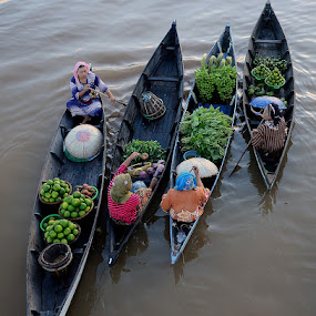 Floating Market, Lok Baintan. Borneo by Lazuardi Normansah - City,  Street & Park  Markets & Shops