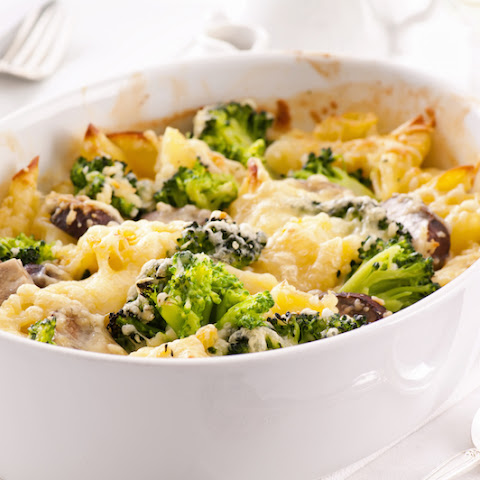 Cheesy Broccoli and Chicken Alfredo Casserole