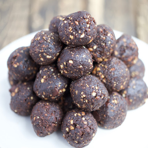 Cacao Date Energy Bites