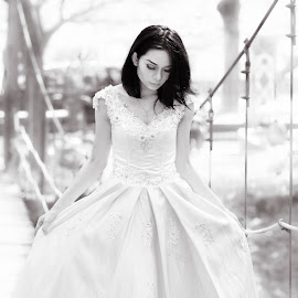 Snow White by Hendrix Ginger - Wedding Bride ( #weddinggown #portrait #beauty #white )