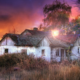 Whisper of the Sun by Eric Demattos - Buildings & Architecture Decaying & Abandoned ( lost, cottage, sunset, eric demattos, farmhouse, forgotten, sun, abandoned )
