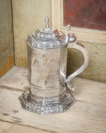 This silver jug has belonged to the very wealthy bishop Carolus Carlsson. There is a story about a Dean's wife, Christina Gangius, who fainted from disbelief, when she saw the bishop's silver chamber.