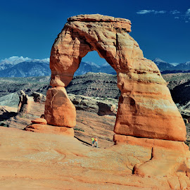 Delicate Arch by Tomasz Budziak - Landscapes Caves & Formations ( landscapes, usa, formations )
