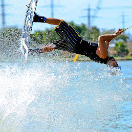 by Abu  Janjalani Abdullah - Sports & Fitness Watersports ( watersports, sports&fitness )