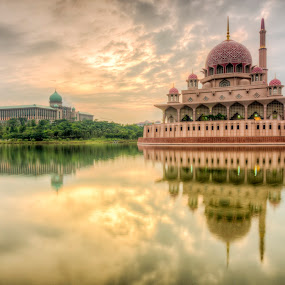 Sunrise @ Putra Mosque, Putrajaya by Zack Zaidi - Landscapes Sunsets & Sunrises ( pm office, reflection, putrajaya, mosque, malaysia, sunrise )