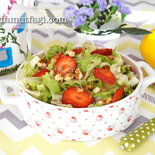 Strawberry Lettuce Salad
