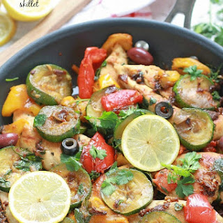 {One-Pan} Mediterranean Chicken Skillet