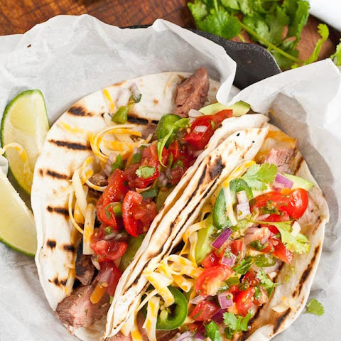 Grilled Steak Tacos with Fresh Pico de Gallo
