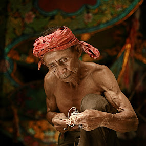 Pokcik by Azmil Omar - People Portraits of Men ( potrait, art, senior citizen, men, people, wau )