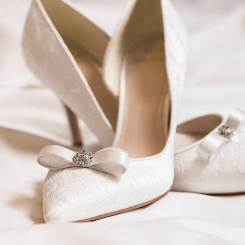 Bride's shoes by Lucian Pirvu - Wedding Details ( shoes, dress, wedding, whote, bride )