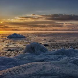 Freezing morning by Jari Johnsson - Landscapes Sunsets & Sunrises