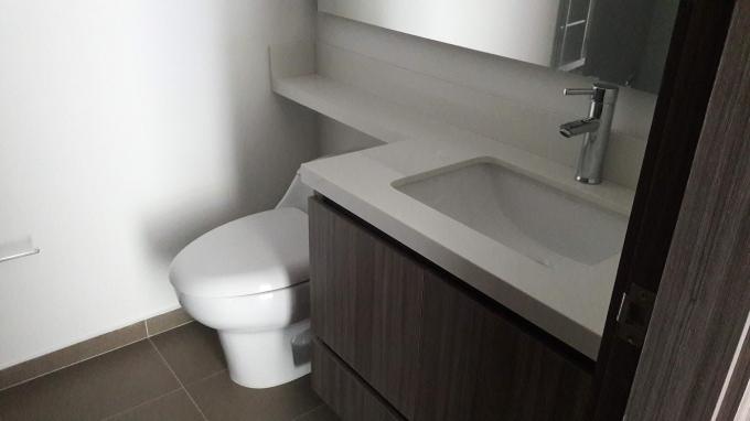 apartamento en arriendo altos del poblado 594-21583
