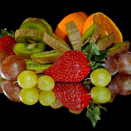 citrus,grape and strawberry by LADOCKi Elvira - Food & Drink Fruits & Vegetables ( grape, fruits,  )