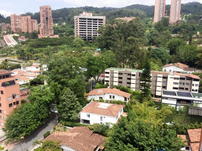 apartamento en arriendo poblado 585-22700
