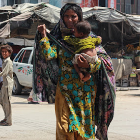 Beggers in Pakistan by Sheraz Mushtaq - People Street & Candids ( child, pakistan, woman, begger, candid, beggery )