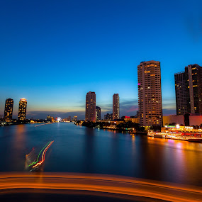 Choa Phaya River.. by Asher Lwin - City,  Street & Park  Skylines ( bangkok, ray, sunset, thailand, long exposure, landscape, light, city, river )