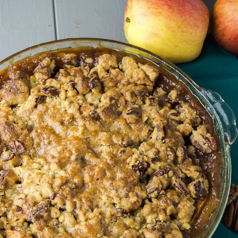 Caramel Apple-Pecan Streusel Pie