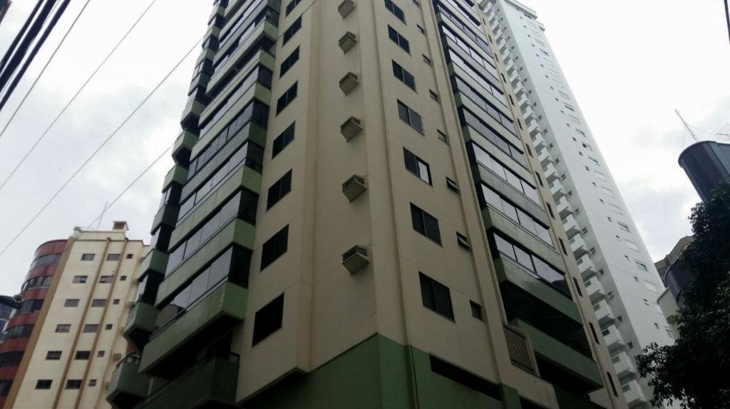 Apartamento com 3 dormitórios à venda, 113 m² por R$ 600.000 - Centro - Balneário Camboriú/Santa Catarina