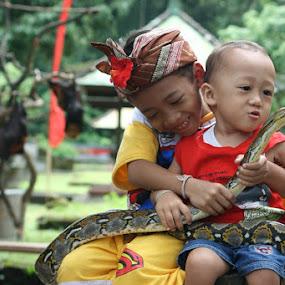 Kid with Snake by Putu Purnawan - Babies & Children Children Candids ( snake, kids )