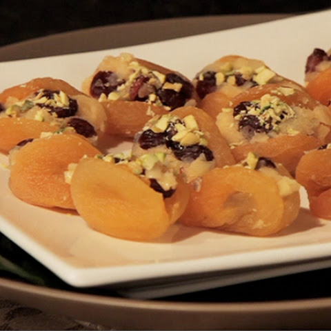 Cheddar-Cranberry Stuffed Apricots