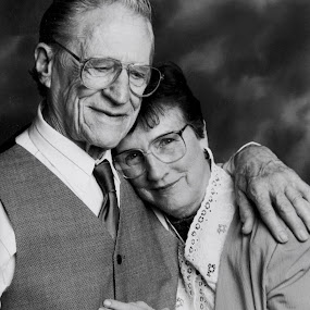 Archie & Dorothy by Scott Nelson - People Couples