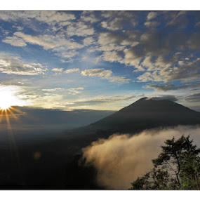 Sunrise at Telomoyo by Robby Kurnia - Landscapes Mountains & Hills