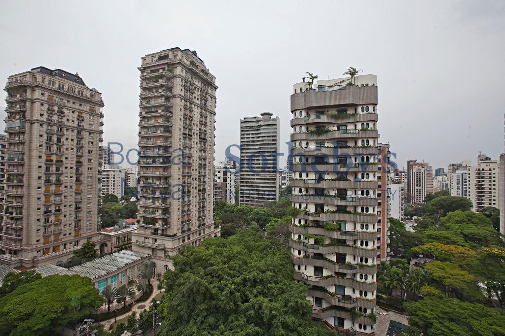 Duplex cobiçado Vila Nova Conceição