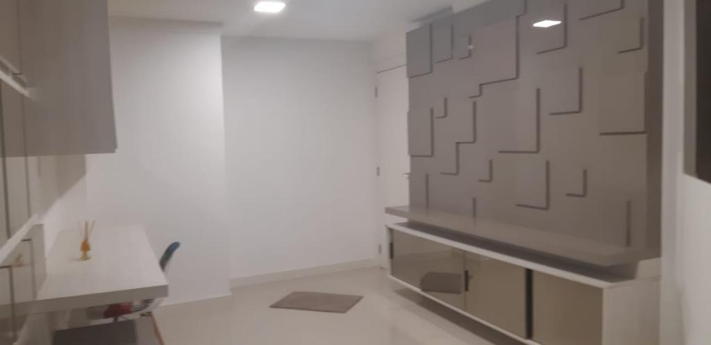 Apartamento  03 Suítes Meia Praia Itapema/SC