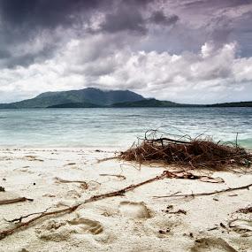 2011 Karimun Jawa by Teraku Nomiya - Landscapes Travel ( islands, java, karimunjawa, beach, karimun jawa )
