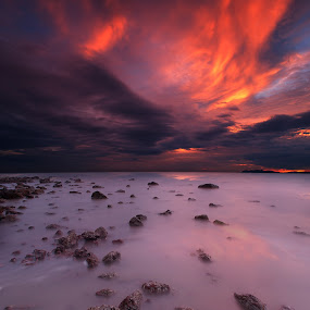 Reddy Sunset by Zackri Zim's - Landscapes Waterscapes ( zackri zim's, vertorama, waterscape, port dickson, malaysia, seascape, kitlens, pasir pankang, dri, d3000, nature, sunset, weather, nikon )