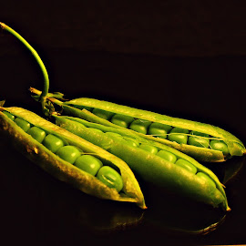 Open peas by Prasanta Das - Food & Drink Fruits & Vegetables ( open, symmetry, peas )